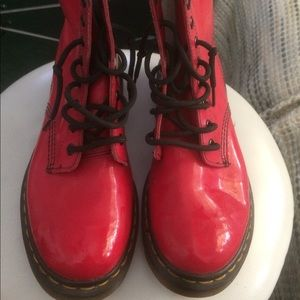 Dr Doc MARTENS Red Patent Boot Excellent CONDITION